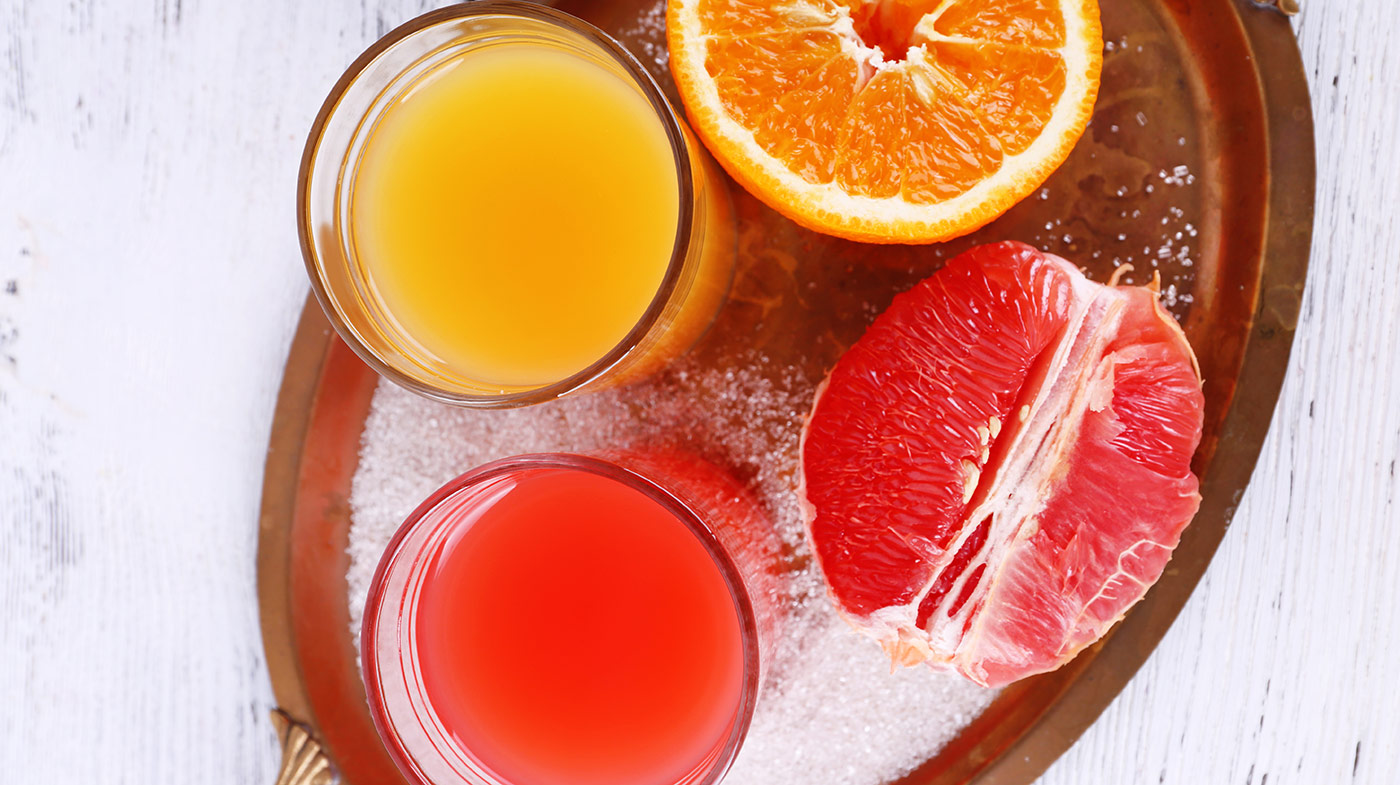Соки, вода, лимонад или молоко: что лучше пить в жару
